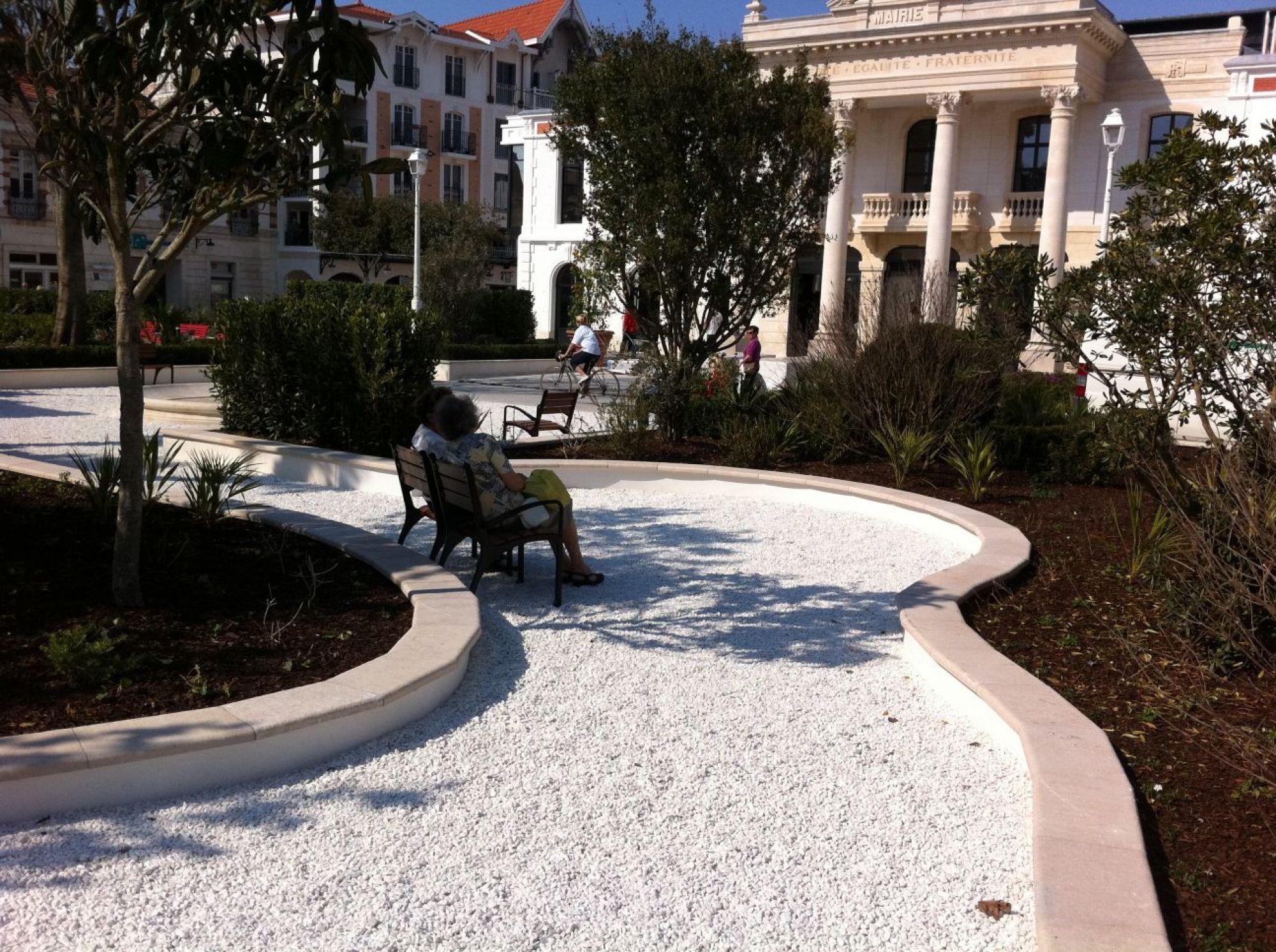 Paysagiste en gironde les jardins de guyenne for Entretien jardin gironde